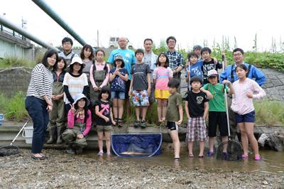 写真三滝川観察会の写真 集合.jpg